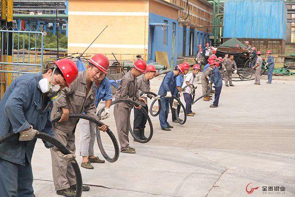 综合回收厂新建污水站项目及电解收尘项目完成电缆铺设
