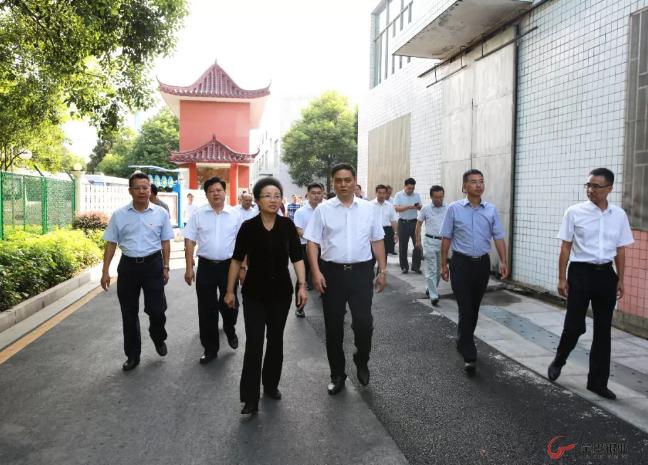 湘西州考察团、张家界市政协分别到金贵银业参观调研